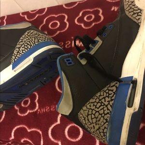 nike air jordan sneakers Shoes - Nike sneakers Micheal air Jordan's black size 4